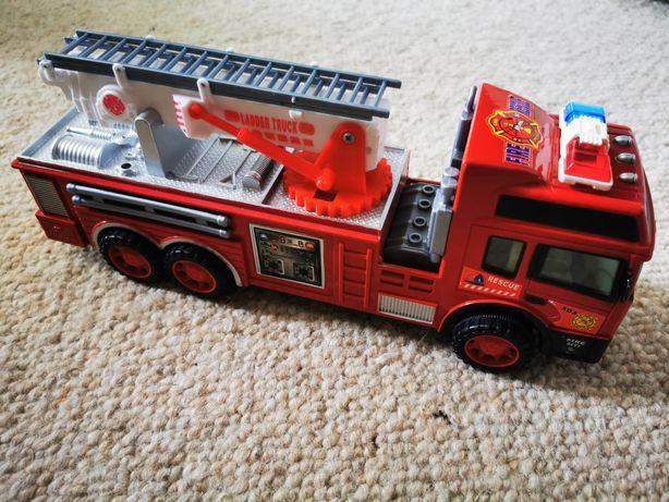 Straż pożarna bez efektów dźwiękowych.