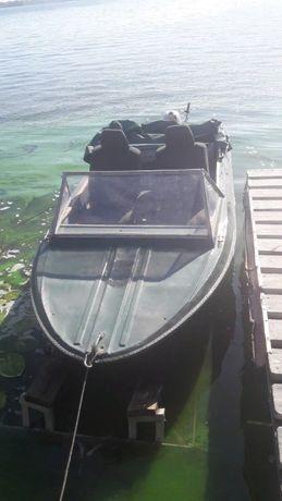Лодка Крым с мотором