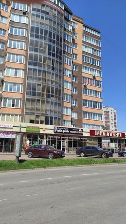 Продаж квартири по вул.Зарічанська 125 кв.м.