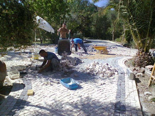 Pavimento de calçada portuguesa, Pedras Naturais