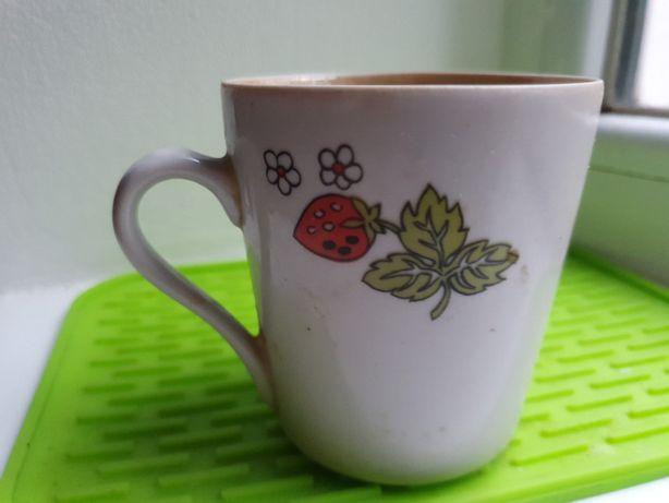 Настоящая маленькая чашка в отличном состоянии