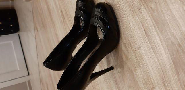 Отдам туфли женские