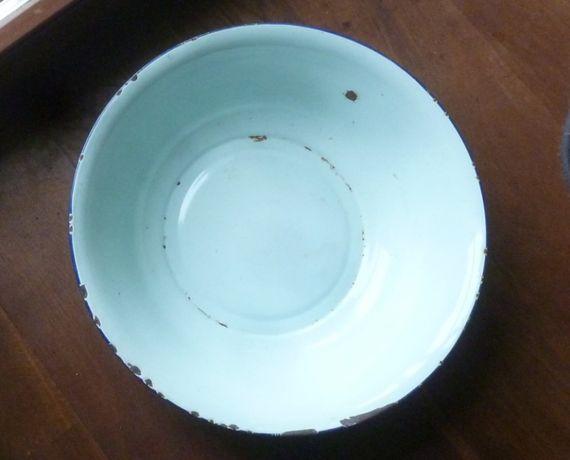 Emaliowana miska z lat 50-tych, sygnowana BUMPER HARVEST, śr. 40 cm