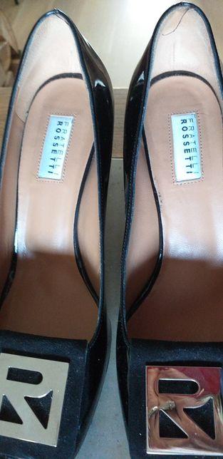 Włoskie pantofle skórzane