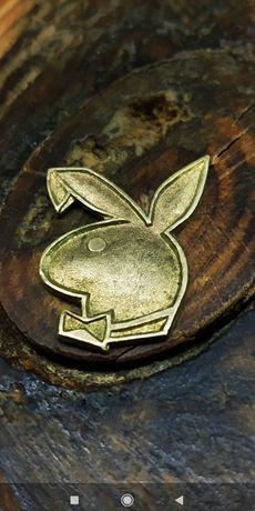 Playboy emblemat mosiądz