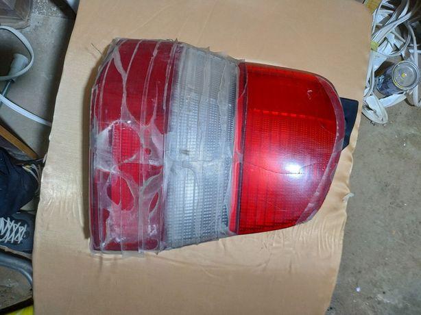 Фара задня права бита, фара задня права бита б.у Mazda Demio 2000р