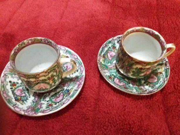 2 Chávenas Chinesas de Porcelana - Antigas