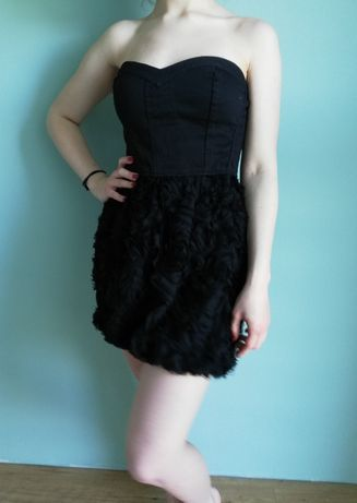 sukienka czarna gorsetowa kwiaty mini BERSHKA M