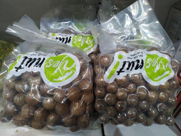Орехи Макадамия .
