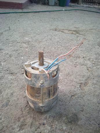 Продам электродвигатель с машинки стиральной