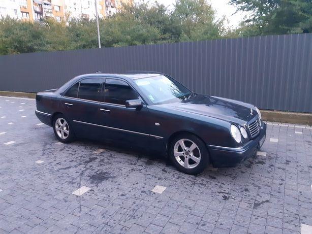Mercedes e300 Avantgarde w210