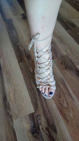 Buty szpilki nude zamsz sandałki