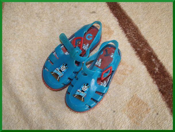 Buty Do Wody dla Chłopca r. 23 Dł Wkł 14,5 cm NÓWKI