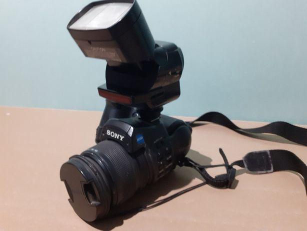 Sony Cyber-shot DSC-F828 +lampa sony HVL-F32X