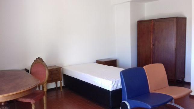 Arrendo apartamento com 4 quartos perto ESEC e Alma Shopping