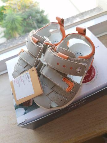 Vendo sandálias unissexo criança CHICCO