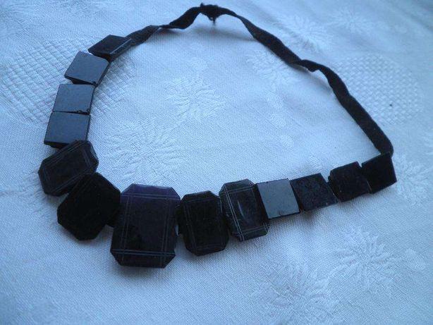 Atenção colecionadores! Antiguidade-colar em azeviche