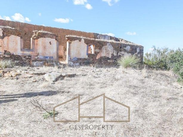 Monte Alentejano em Ruina em Ourique