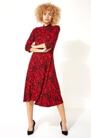 Вискозное красное платье миди с высоким воротником
