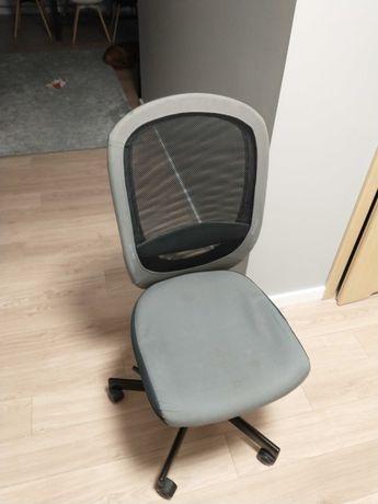 krzesło do biurka plus gratis