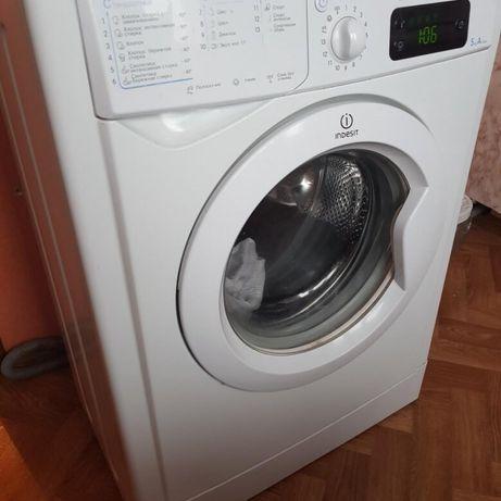Indesit 5 кг стиральная машина IWSE 5125 глубина 40см