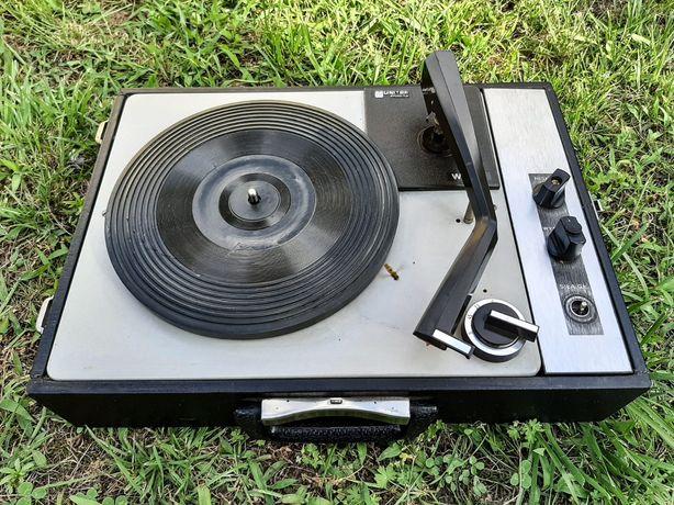 Zabytkowy gramofon walizkowy Unitra Fonica WG550