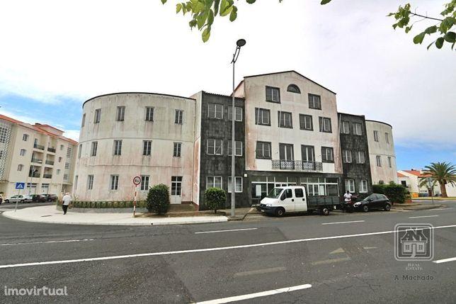Ref. 378123 - Amplo edifício com 5 Pisos no centro da cidade de Pon...