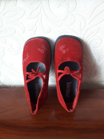 Туфельки червоні