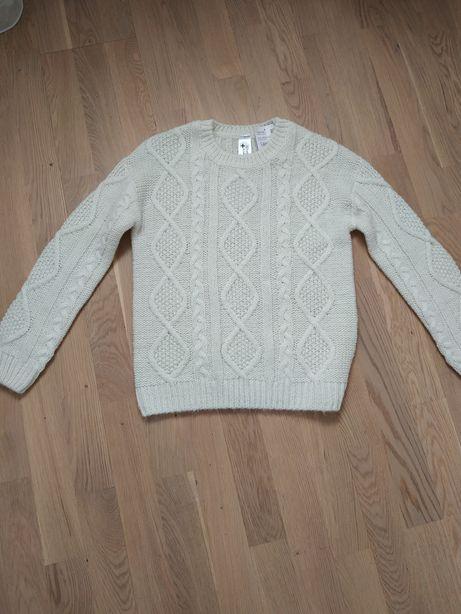 Новый белый свитер c&a