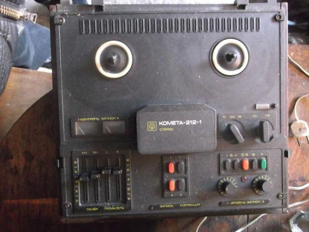 Бобинный магнитофон Комета 212-1