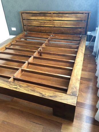 Łóżko duże drewniane kolonialne Belbazaar