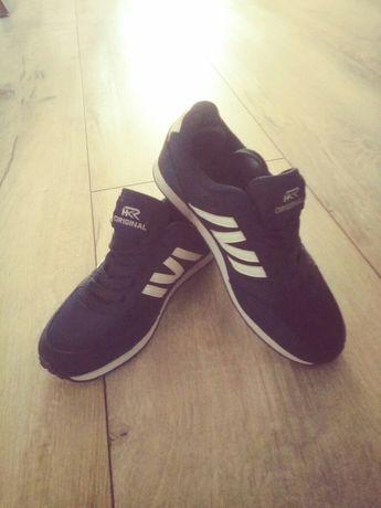 Nowe sportowe buty chłopięce rozm.36