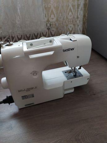 Новая швейная машинка