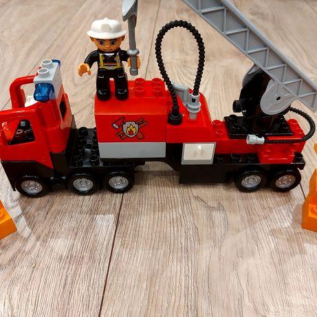 Lego Duplo wóz strażacki straż pożarna