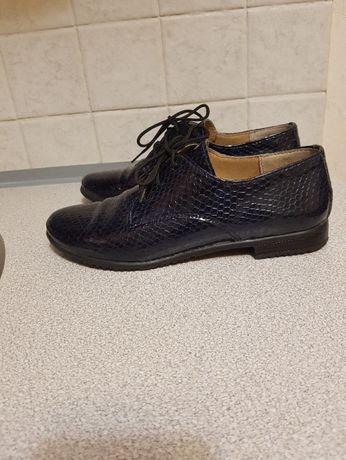 Туфли лаковые кожаные, 36 размер.