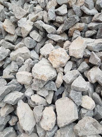 Kamienie kruszywa piesek Humus