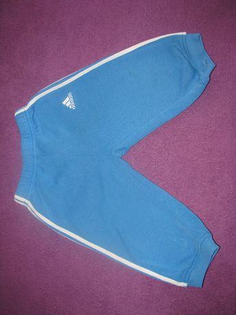 Adidas spodnie dresowe niemowlęce 80