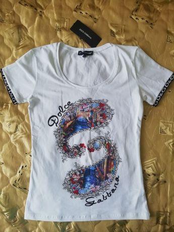 Нова жіноча футболка