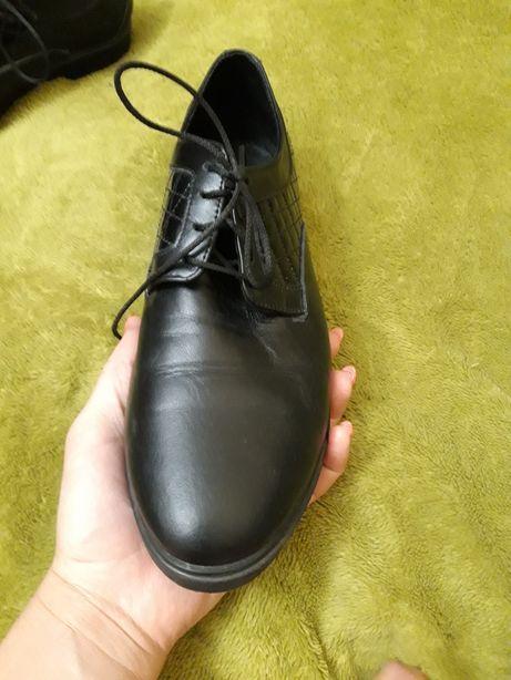 Продам женские новые кожаные туфли р 39