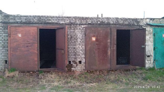 Продам 2-а окремих, але спарених гаражі м.Львів / Загальна площа 78.4м