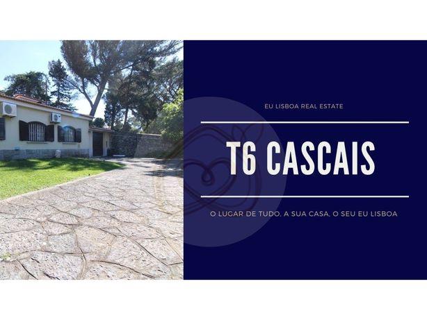 Cascais - Centro - Moradia com Piscina e 3 Garagens