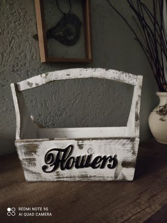 Drewniany pojemnik na kwiaty