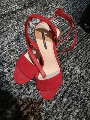 Sapato alto de verão