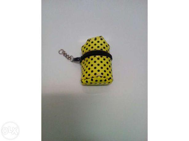 Porta moedas Amarelo com bolas pretas