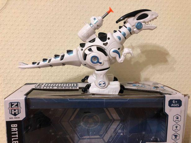Интерактивный робот динозавр дракон ходит издает звуки стреляет