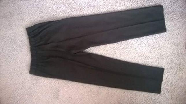 Spodnie garniturowe 146 cm