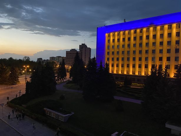 2 кімн, 63 м.кв. Центр, Листопадова-Грушевського