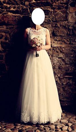 Romantyczna suknia ślubna koronkowa litera A (welon koronkowy gratis!)