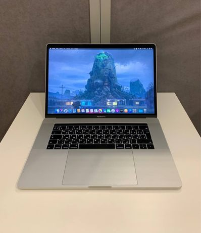 MacBook Pro 15 2017 MPTU2