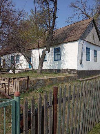 Дом в центре села Шестерня